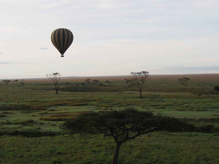 1.Tanzania – Serengeti- National-Park-hot-air-balloon