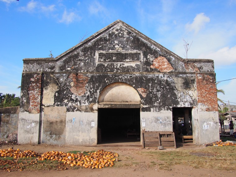 1. Sri Lanka – Negombo