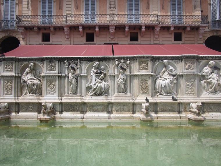 5.Italy-Siena