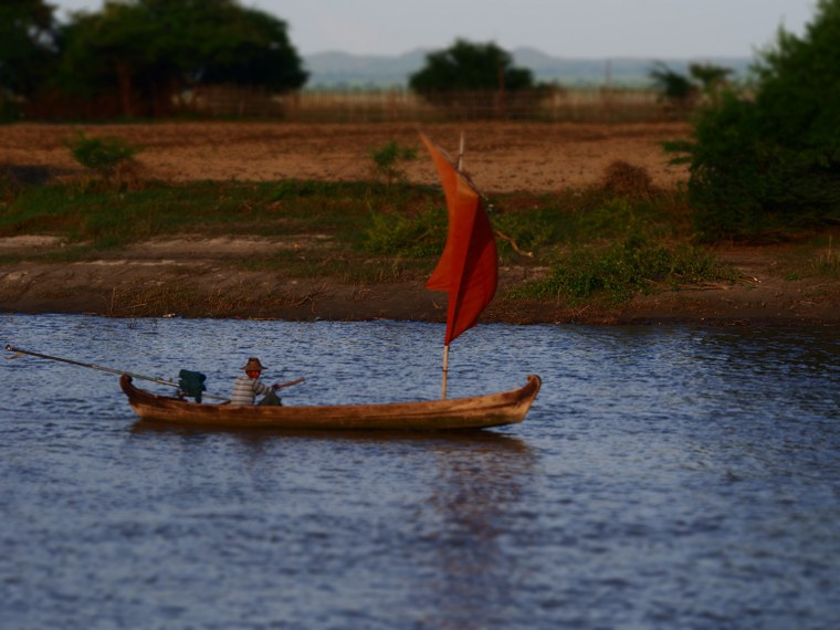 26.Myanmar_Bagan_to_Mandalay_slow_boat_Life_on_the_Ayeyarwaddy_River.