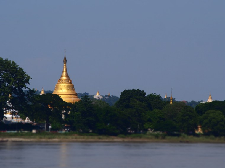 36.Myanmar_Bagan_to_Mandalay_slow_boat_Life_on_the_Ayeyarwaddy_River