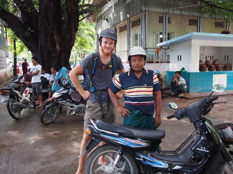 28.Myanmar_Mandalay_Mr_Wood_Motorcycle_adventure