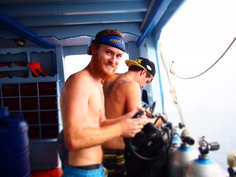 14.Thailand_Koh_Tao_Bans_Diving