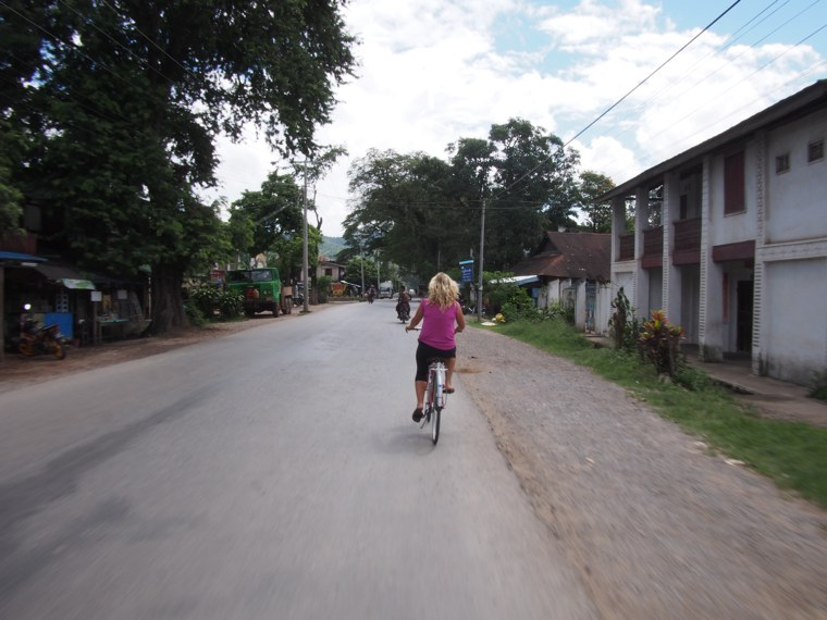 2.Myanmar_Hsipaw_Cylce_Adventure_Mrs_Wood