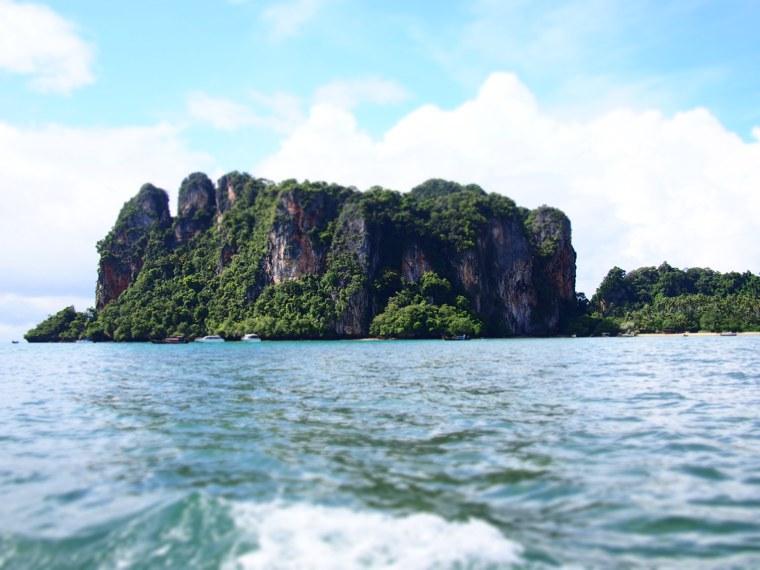3.Thailand_Krabi_Railay_Beach.