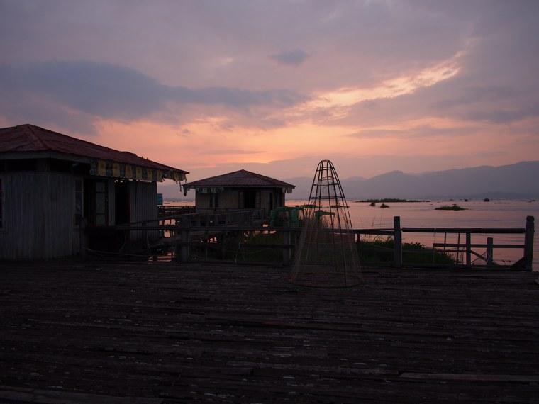 43.Myanmar_Inle_Lake_Sunset