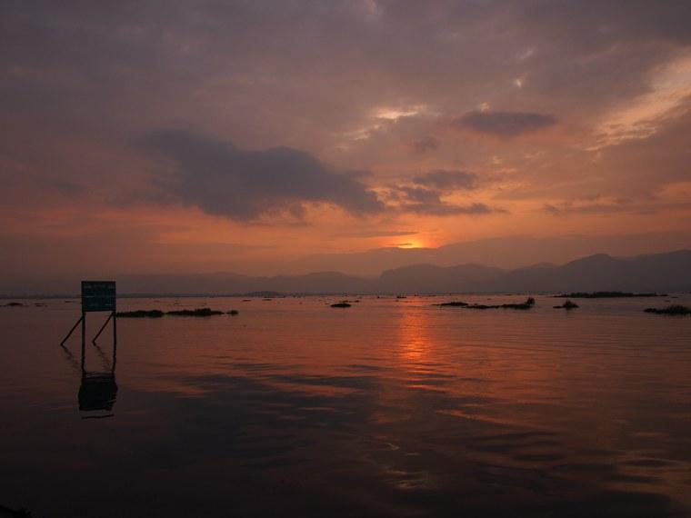 44.Myanmar_Inle_Lake_Sunset