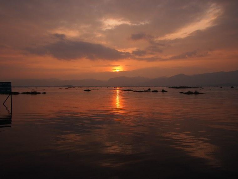 45.Myanmar_Inle_Lake_Sunset
