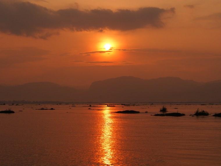 46.Myanmar_Inle_Lake_Sunset